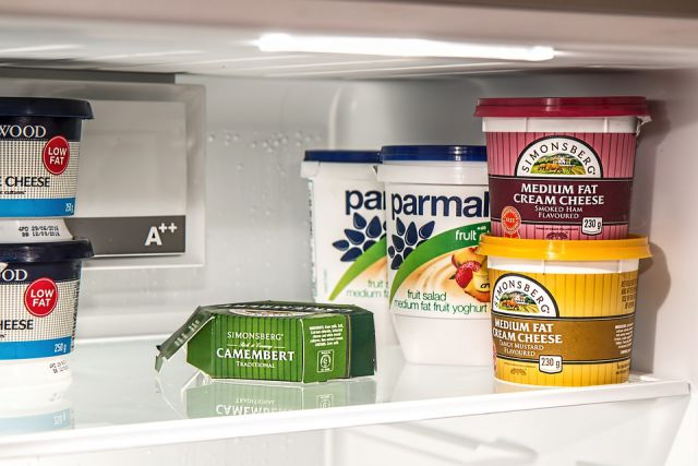 Clean the refrigerator for fall